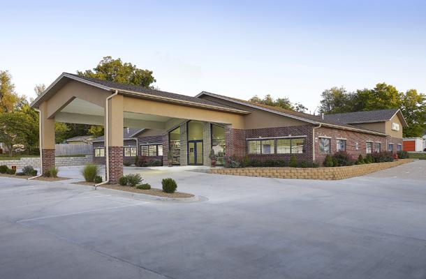 Pleasant Hill Mo Veterinary Clinic Building Lester