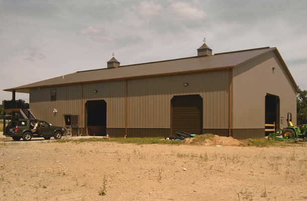 Granville Oh Stable Arena With Living Quarters Building