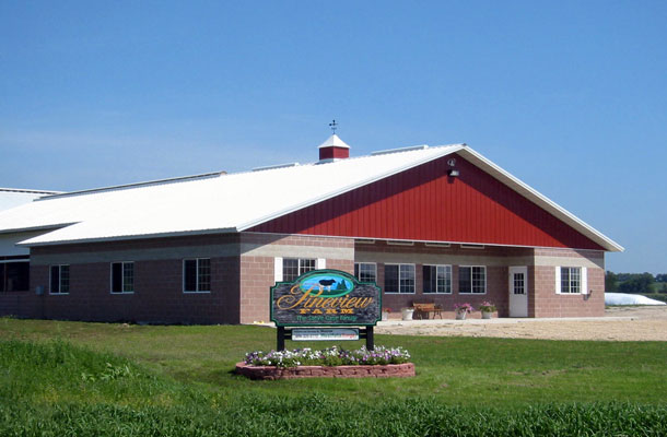 Dairy Parlor and Holding - Pole Barns Wisconsin