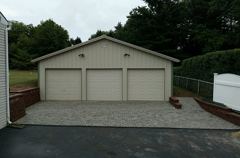 Pole barn pictures photos ideas floor plans lester for 40x40 garage for sale